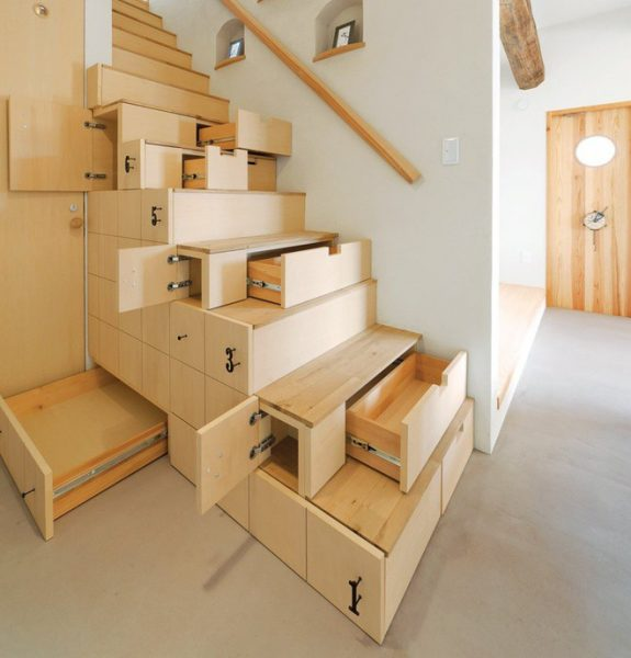 Sử dụng không gian thông minh hơn bằng cách chia nhỏ ngăn tủ đựng