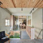 Con người và thiên nhiên hài hòa trong ngôi nhà gỗ